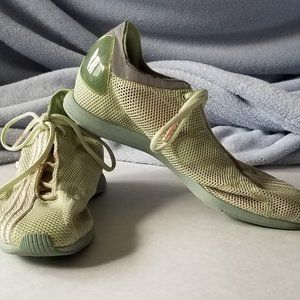 Adidas Stella Mccartney Womens Sz 5 Athletic Shoes